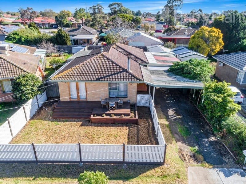 7 Roseland Crescent, Hoppers Crossing
