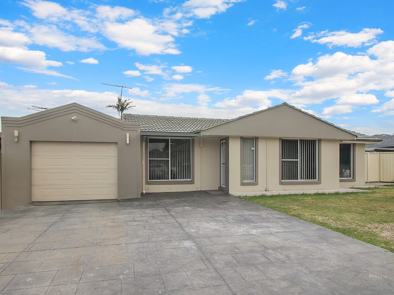 15 Knowles Place, Bossley Park