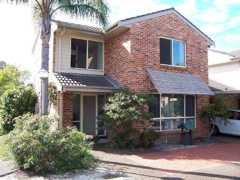 13 15 hastings dr raymond terrace nsw 2324 property - Lakeside swimming pool raymond terrace ...