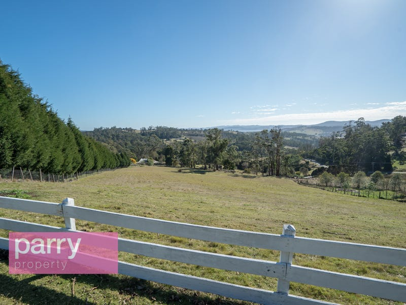 8 Mountain View Crescent, Grindelwald