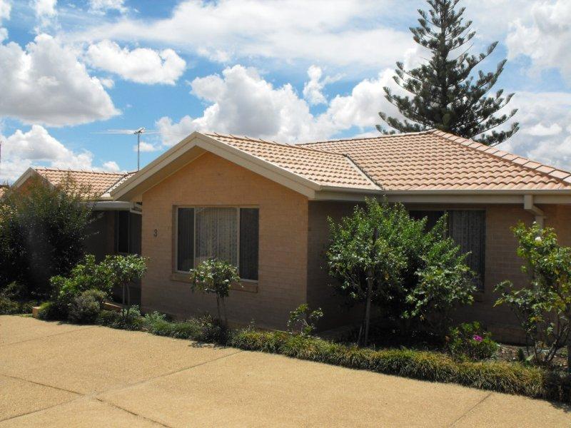 3/133 COWABBIE STREET, Coolamon, NSW 2701