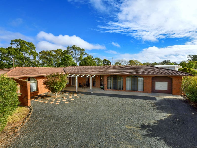 65 Valley View Drive, Meringandan West