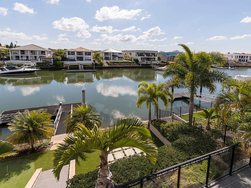 2204 Taromeo Court, Hope Island