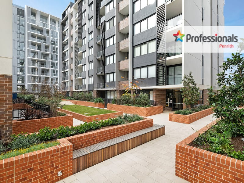 705/81B Lord Sheffield Circuit, Penrith, NSW 2750