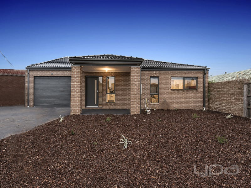 1/3 Mitchell Road, Melton South