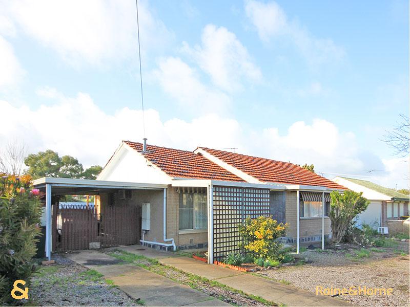 4 Mander Road, Christie Downs