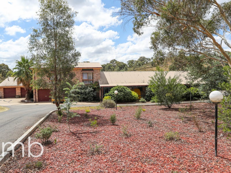 5 Don Peters Place, Orange, NSW 2800
