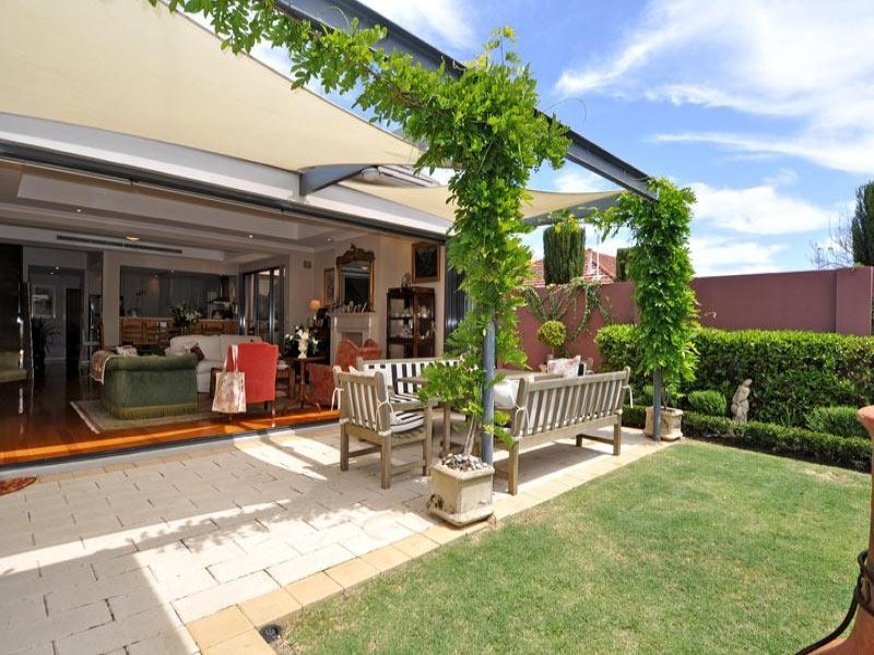 Outdoor living design with pergola from a real Australian ... on Indoor Outdoor Entertaining Areas id=30954