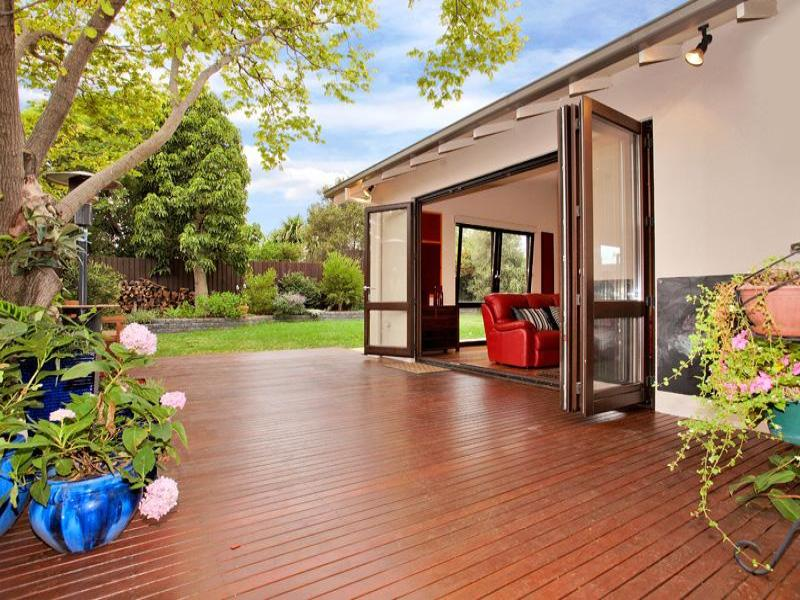 Outdoor living design with deck from a real Australian ... on Aust Outdoor Living id=96900